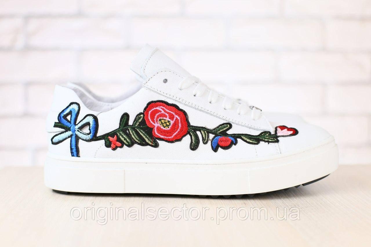 85885f18c338 Женские белые кроссовки с вышивкой - интернет-магазин