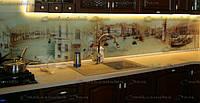 Стеновая  панель Венеция. Стекло каленое. Фотопечать на стекле. Интерьер кухни. Кухонный фартук из стекла