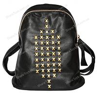 Рюкзак из кожзаменителя с золотыми заклепками
