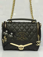 Женская сумка-клатч шанель для самых модных.внутри красная подкладка,эко-кожа.