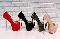 Женские туфли Christian Louboutin шпилька золото
