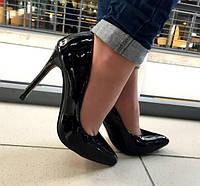 Женские туфли,лодочки подошва бордового цвета
