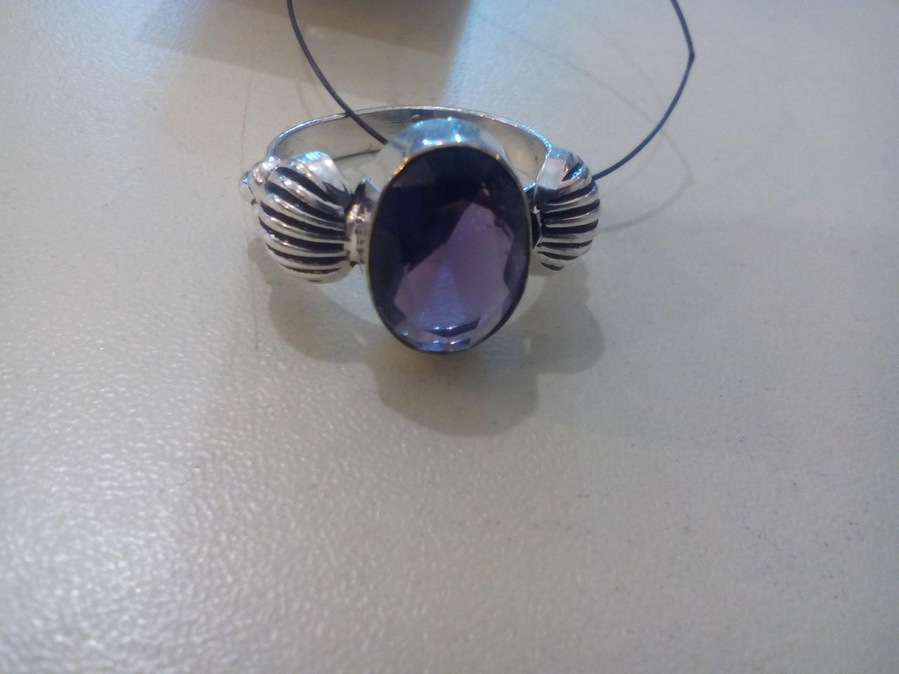 Кольцо с камнем аметист в серебре 19 размер Индия