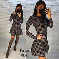 Модное короткое платье в клетку