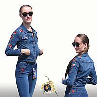 Куртка женская джинсовая короткая с вышивкой розы