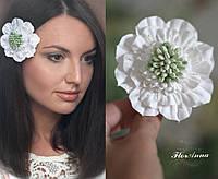 """Заколка/брошь """"Белая скабиоза"""" из полимерной глины. Для невесты украшение в прическу"""