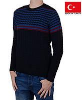 Зимне-осенний мужской свитер.