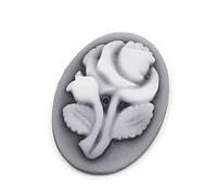 Камея серая с цветком, 18х13 мм из смолы