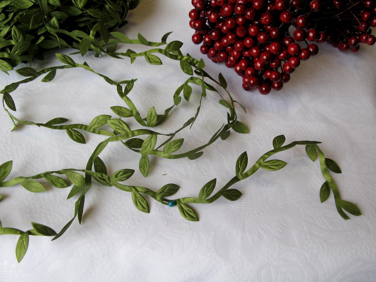 Стрічка з листочками оливкового кольору на метраж.