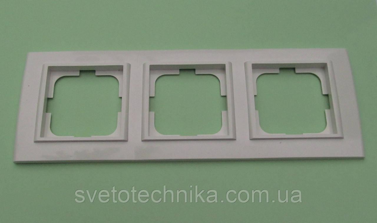 Тройная рамка OVIVO Mina горизонтальная  (белая)