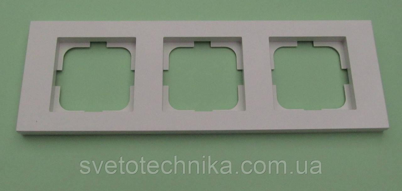 Тройная рамка Ovivo Grano горизонтальная  (белая)