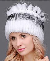 Меховая шапка с петлями цвет белый