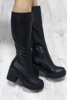 Демисезонные кожаные сапоги черные на удобном каблучке