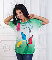 """Женская стильная футболка в больших размерах 2909 """"Цветные Кошки"""""""