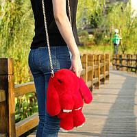 Меховая сумка-рюкзак в виде зайчика красная
