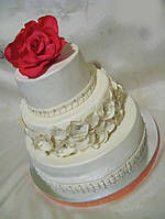 Свадебный  торт Нежность  ярусный кружевной  под заказ Харьков