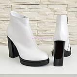 Ботинки зимние женские классические на высоком каблуке, из натуральной кожи, цвет белый., фото 3