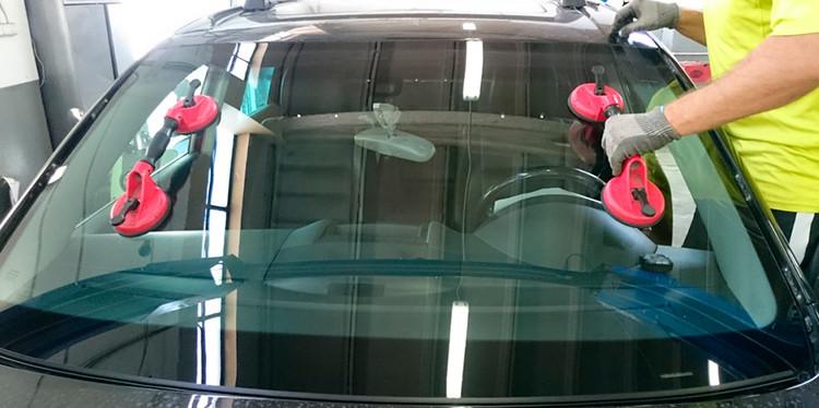 Установка стекла - Автостекло  в Умани