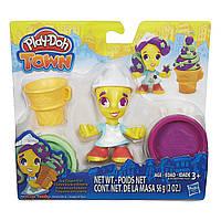 Игровой набор пластилина Город Мороженщица TOWN ICE CREAM GIRL Плей До/Play-Doh B5978