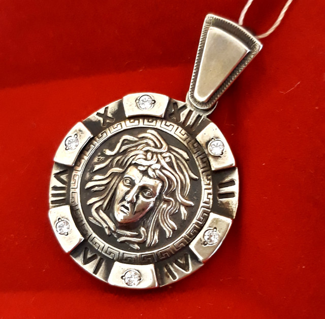 Подвеска Медуза Горгона серебро 925 фото