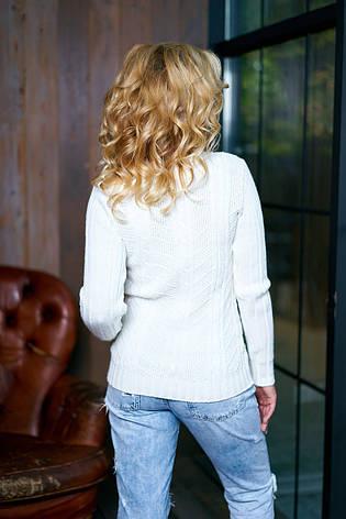 Белый однотонный женский свитер (молоко), фото 2