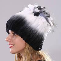 Меховая шапка с петлями цвет бело-черный