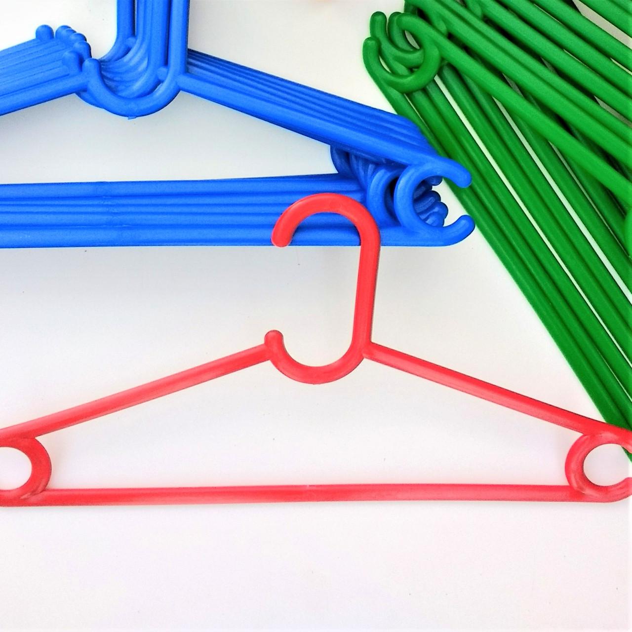 Плечики вешалки тремпеля пластиковые для верхней одежды, костюмов, свитеров