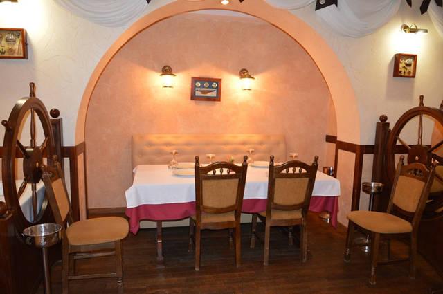 Диваны в ресторан «MARE AZZURO» на ул. Банковой