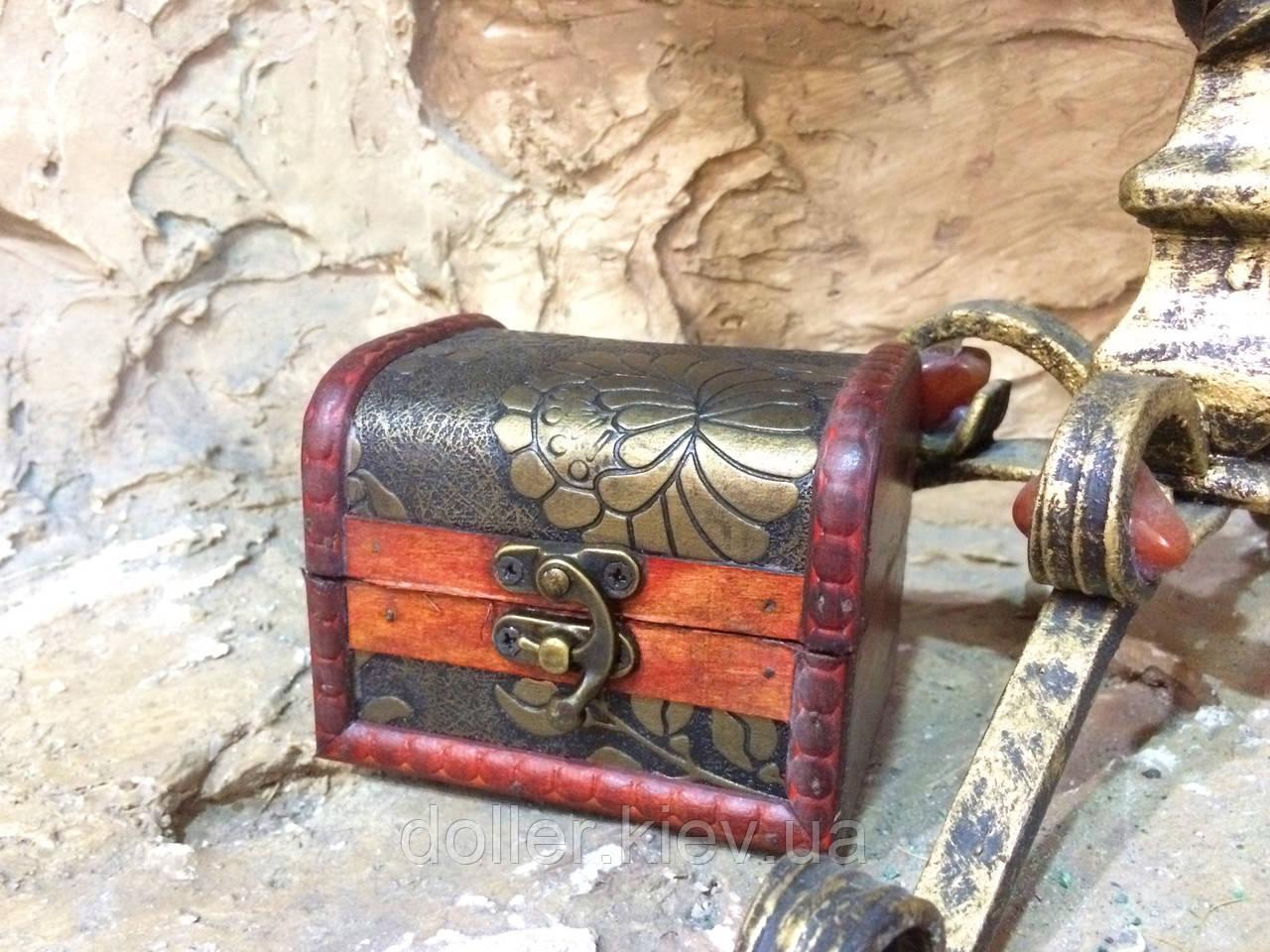 Шкатулка, сундучок декоративный (10х8х8 см.)