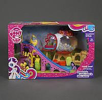 Игровой набор Город Пони с домиком и горкой в коробке.