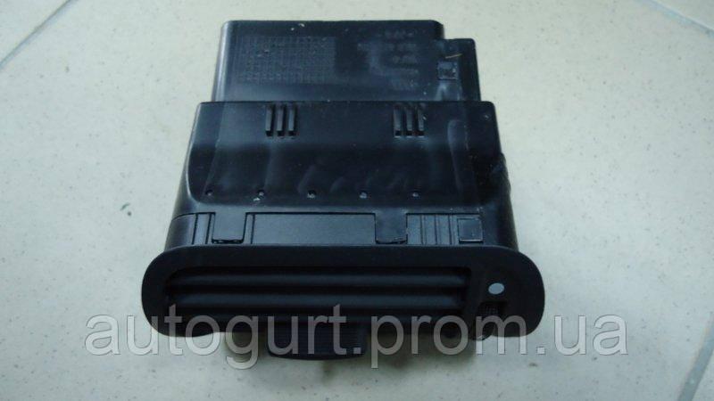 """8L0 820 901  5BP Дефлектор, """"Onyx"""" AUDI Audi A3/S3/Sportback/qu.1997 - 2000"""