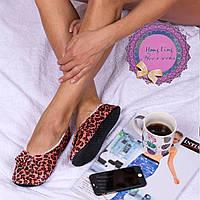 Женские мягкие тапочки-следы цвета розовый леопард Djan F31 Pinkypard