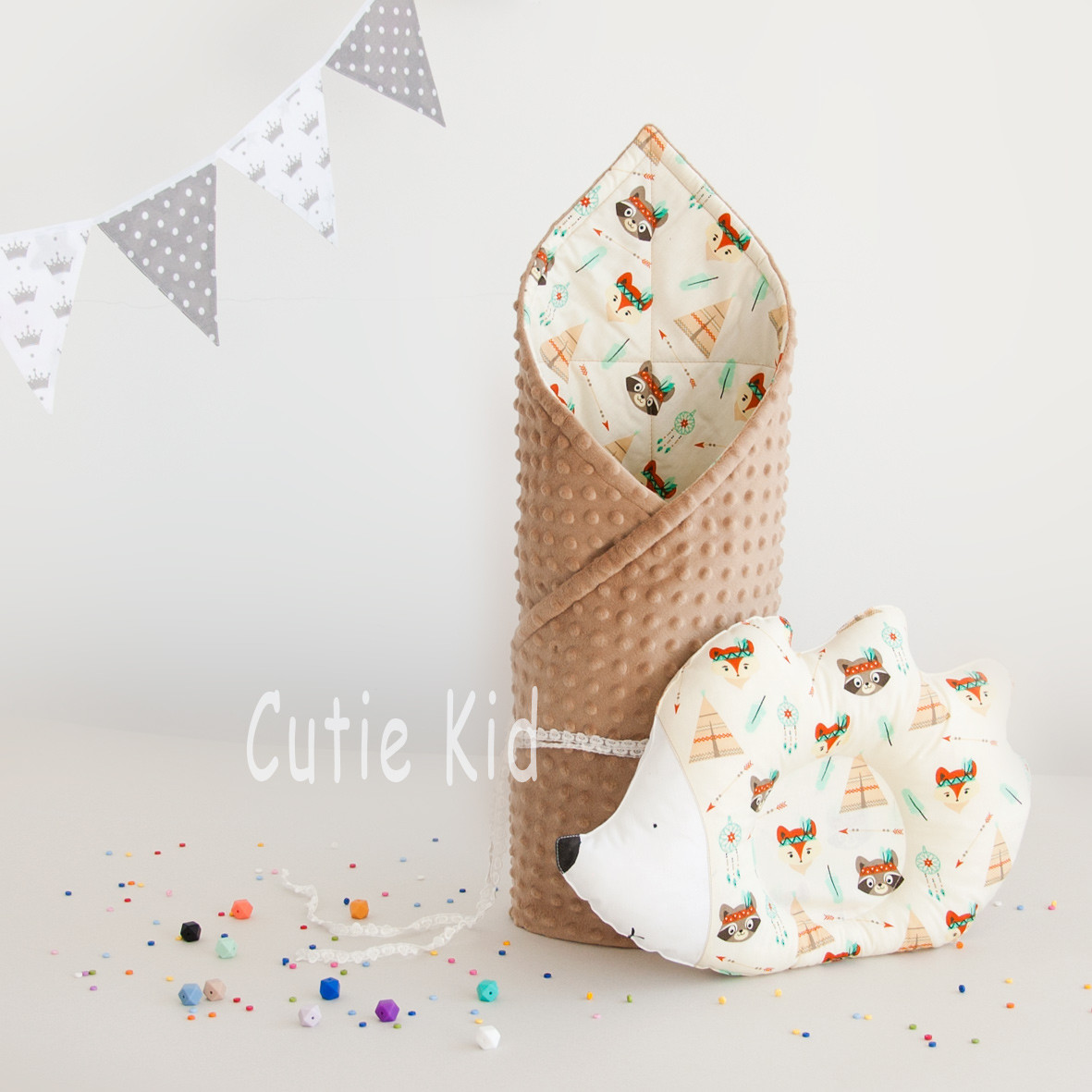 """Конверт на выписку и подушка """"Ёжик"""" для новорожденных"""
