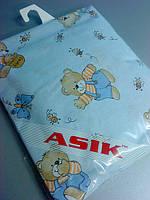 Простынь в детскую кроватку «мишки с медом» голубого цвета №86