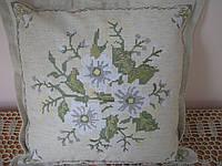 Наволочка декоративная с вышивкой