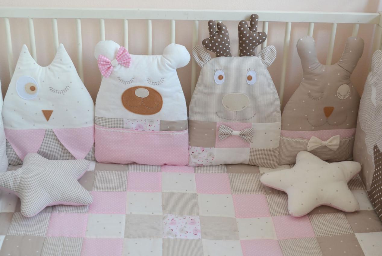 Защита на бортики в детскую кроватку на 4 стороны.