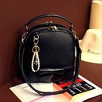 Рюкзак сумка женский с брелком-подвеской (черный)