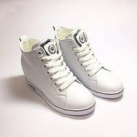 Ботинки женские белого цвета на шнуровке+замок
