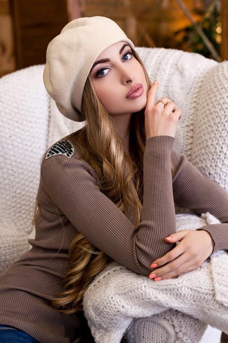 Зимний женский Берет «Беата» Песочный