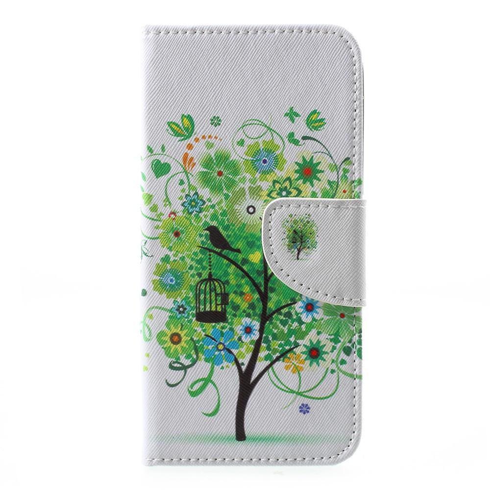 Чехол книжка для Motorola Moto E4 XT1762 боковой с отсеком для визиток, Зеленое дерево и бабочки