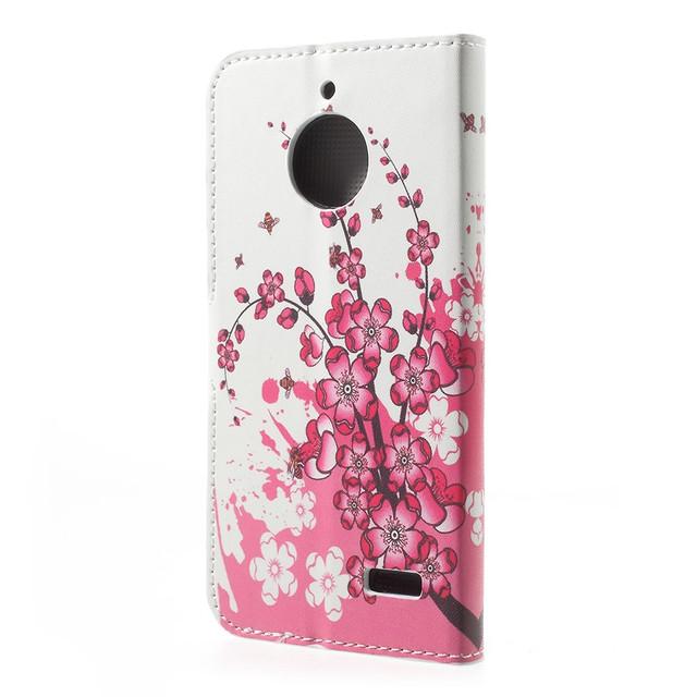 чехол книжка на Motorola Moto E4 XT1762 с цветущей сакурой