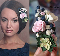 """Заколка для волос с цветами """"Зеленый суккулент с розами, черникой и гипсофилами"""""""