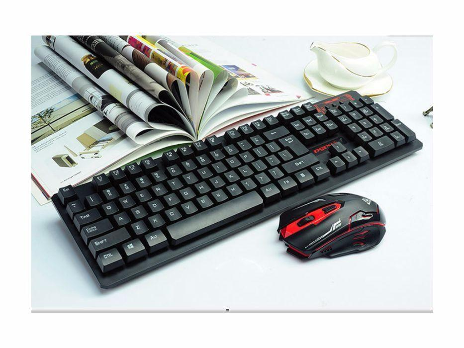 Беспроводная игровая клавиатура и мышка в комплекте.