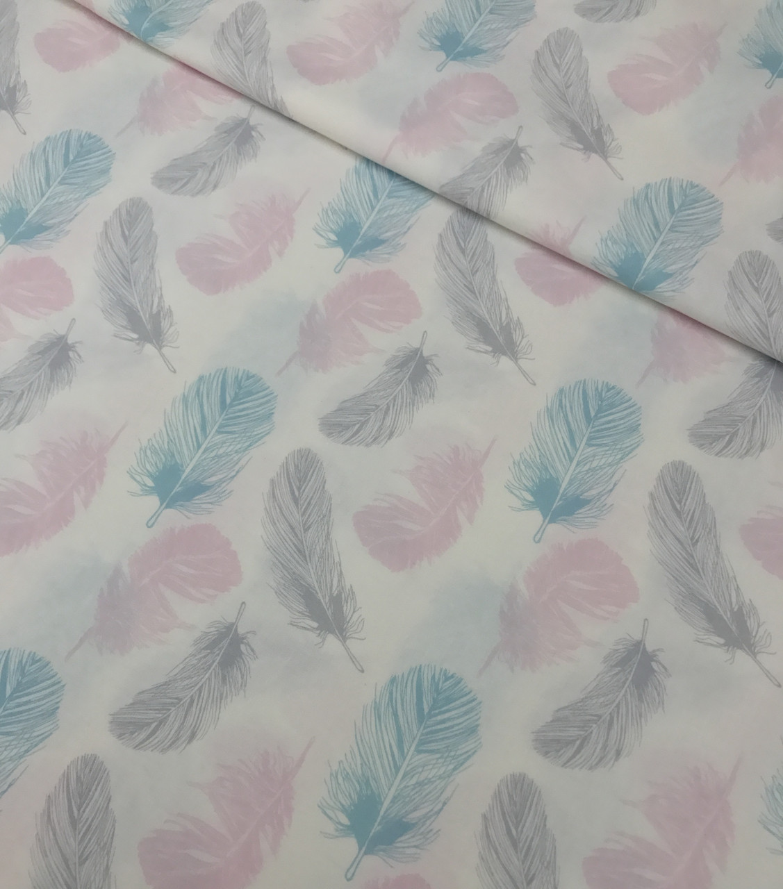 Хлопковая ткань польская перья розово-серо-бирюзовые №528