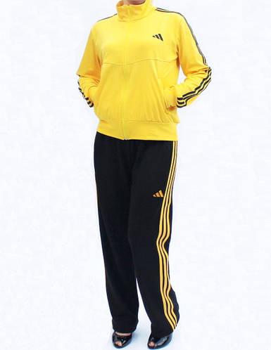 Женский спортивный костюм с цветной кофтой