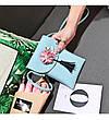 Мини сумочка-кошелёк на шнурке через плечо, цветы и кисточка - голубая 207-101, фото 2