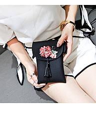 Мини сумочка-кошелёк на шнурке через плечо, цветы и кисточка - черный 207-102, фото 3