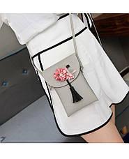 Мини сумочка-кошелёк на шнурке через плечо, цветы и кисточка - серая 207-104, фото 2