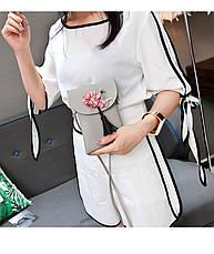 Мини сумочка-кошелёк на шнурке через плечо, цветы и кисточка - серая 207-104, фото 3