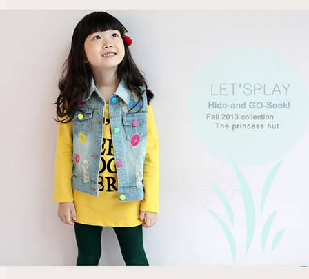 Детская джинсовая жилетка - вышивки поцелуи, рваные части, потертости 203-9, фото 2